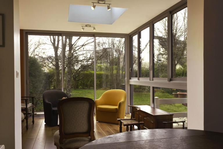 Une extension de salon réalisé par la SARL Donnart